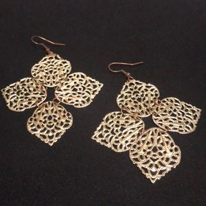 Jewelry - Gold plated dangles. Light and gorgeous